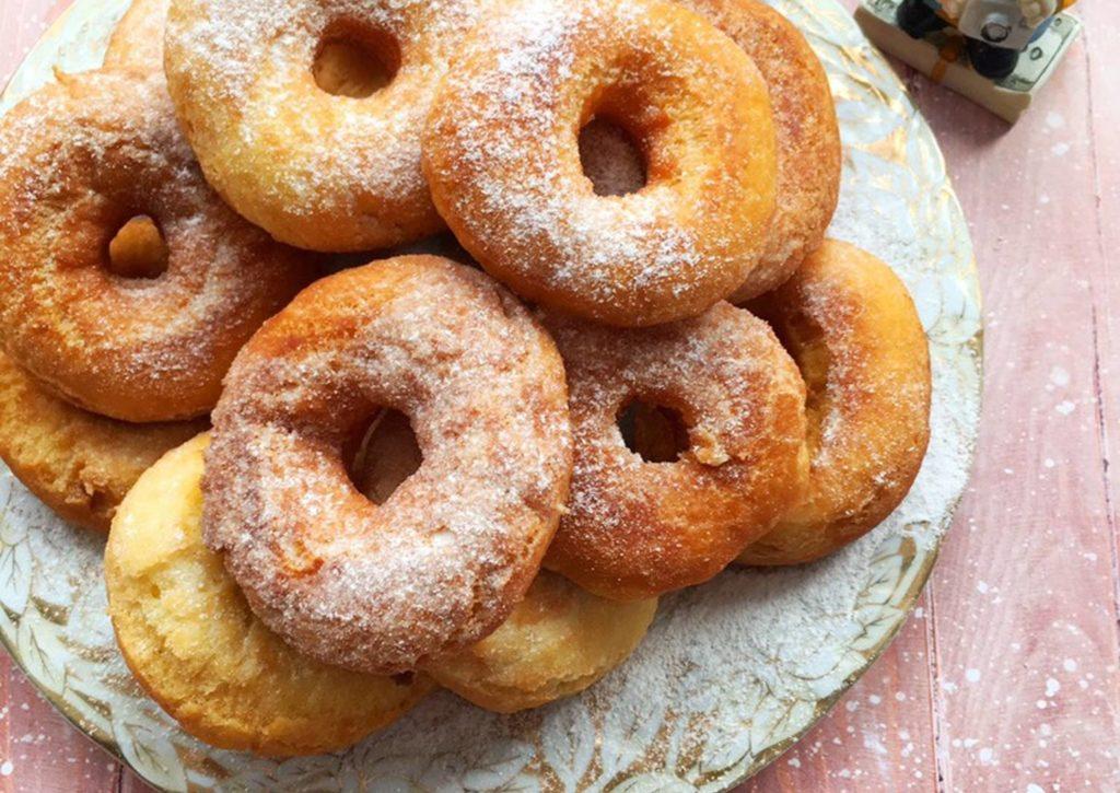 Незабываемо вкусные пончики из 4-х ингредиентов по бабушкиному рецепту.