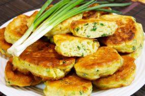 МЯГКИЕ и очень вкусные пирожки на кефире с ЗЕЛЕНЫМ ЛУКОМ и яйцом