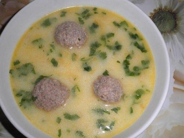 2) Сырный суп с фрикадельками
