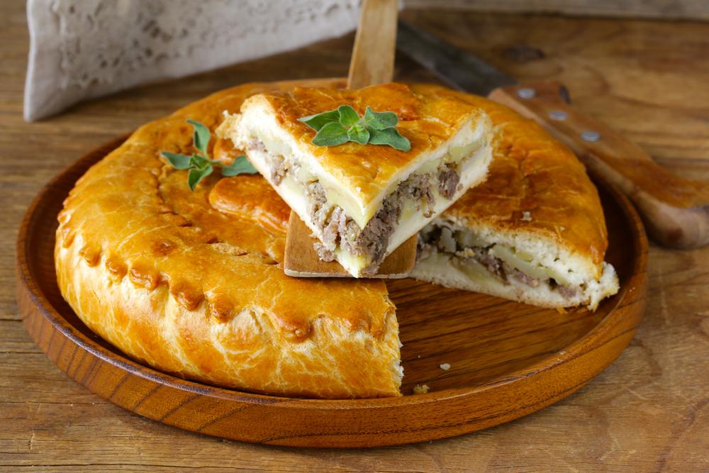Пирог с картошкой+мясом.